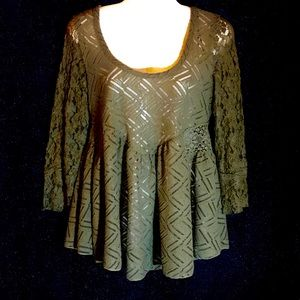 Free People NWOT 3/4 Sleeve Open Back Top, Small